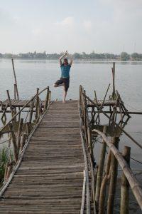 Nicolas macht einen Baum in Vietnam